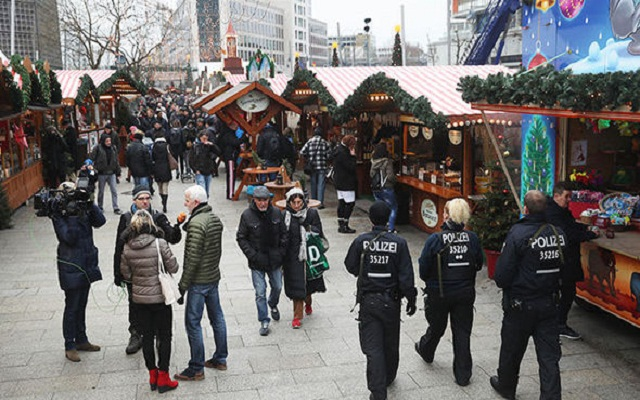 LLL-Live Let Live-CHRISTMAS TERRORIST THREAT ISIS vows to attack more Christmas markets after the Berlin attack