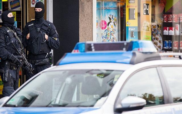 LLL-Live Let Live-German Police detain two men on suspicion of preparing terrorist attack