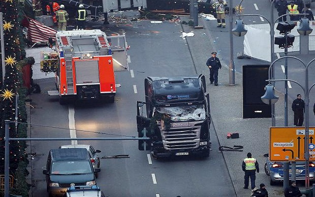 LLL-Live Let Live-Released dashcam video footage from Berlin Christmas Market attack
