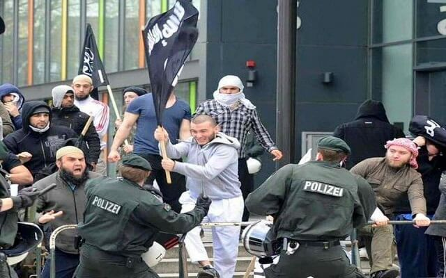 LLL-Live Let Live-Syrian ISIS terrorist is suspected for raping a woman in Germany