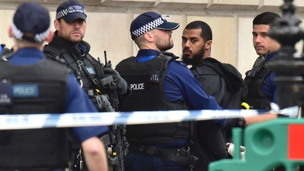 LLL-Live Let Live-Man carrying knives arrested near UK Parliament on suspicion plotting act of terrorism 2
