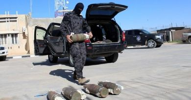 LLL-Live Let Live-Suspected Islamic State suciide bomber surrenders at Libyan checkpoint