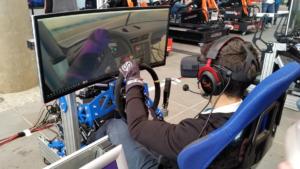 Lors de la compétition du GT500, Jeremy Bouteloup s'alignait en VR et sur un cockpit maison