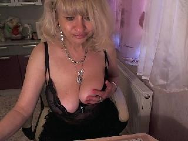 Bustyselen Live Mature Caucasian Model Webcam Female Blonde Large
