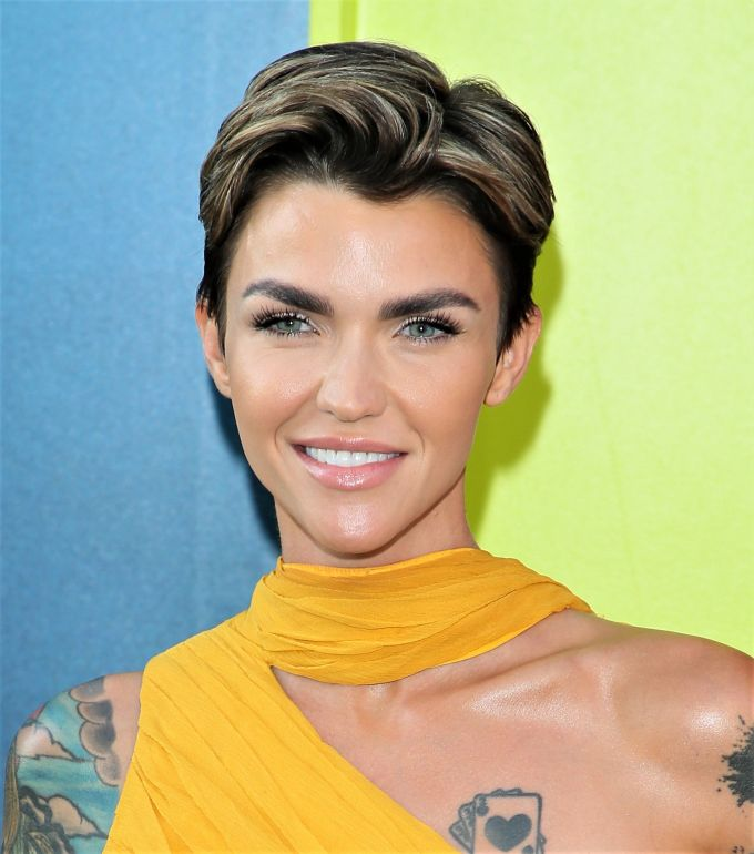 the best hairstyles for women of every body type