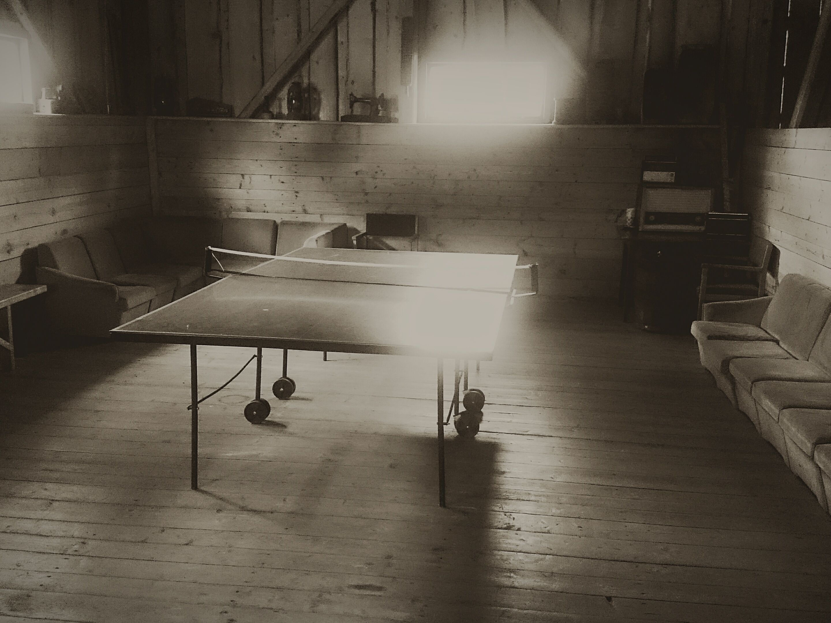 how to properly light a table tennis room