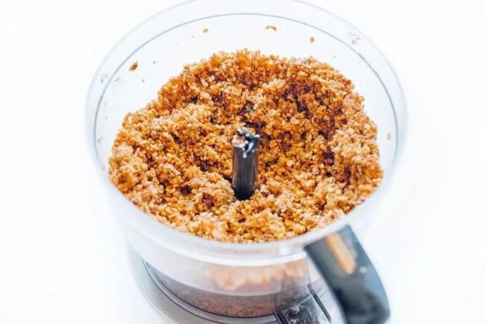 Graham cracker pie crust in food processor