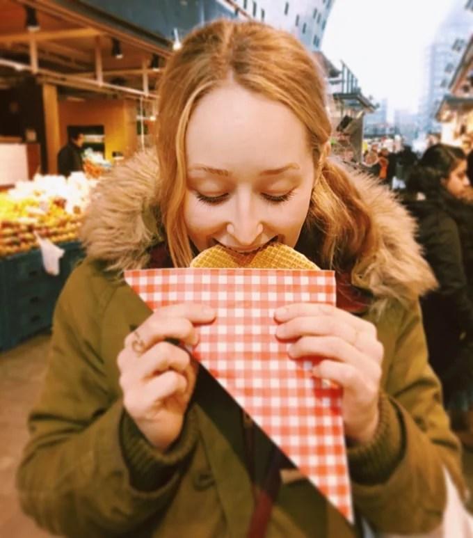 Stuff Dutch People Do - Stroopwafels
