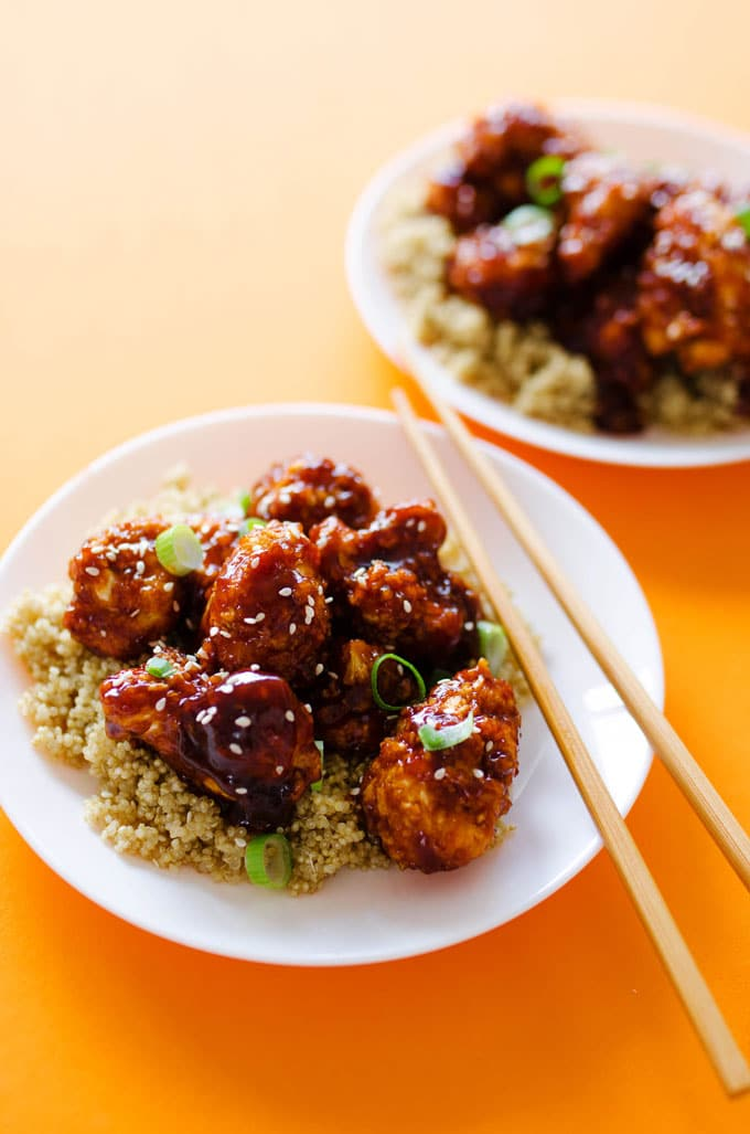 I'm not exaggerating when I say that this Baked General Tso's Cauliflower tastes exactly like the Chinese takeout we all know and love (but without the frying or meat!)