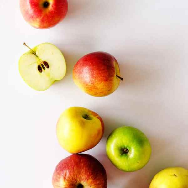 Delicious easy apple recipes to make this fall. From sweet desserts to savory main dishes, here are 7 reasons to stock up on apples!