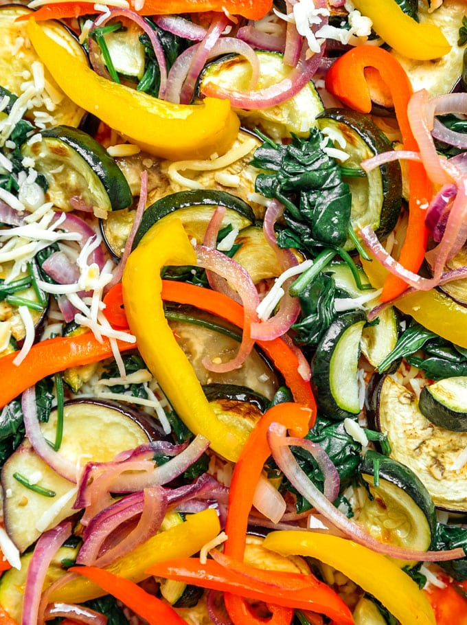 Vegetable pizza close up photo