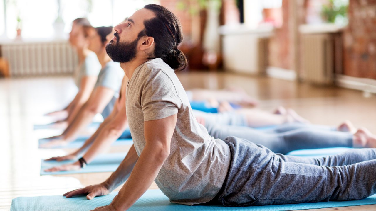 https://i2.wp.com/www.livehealthymag.com/wp-content/uploads/2019/11/yoga-for-men.jpg?resize=1280%2C720&ssl=1