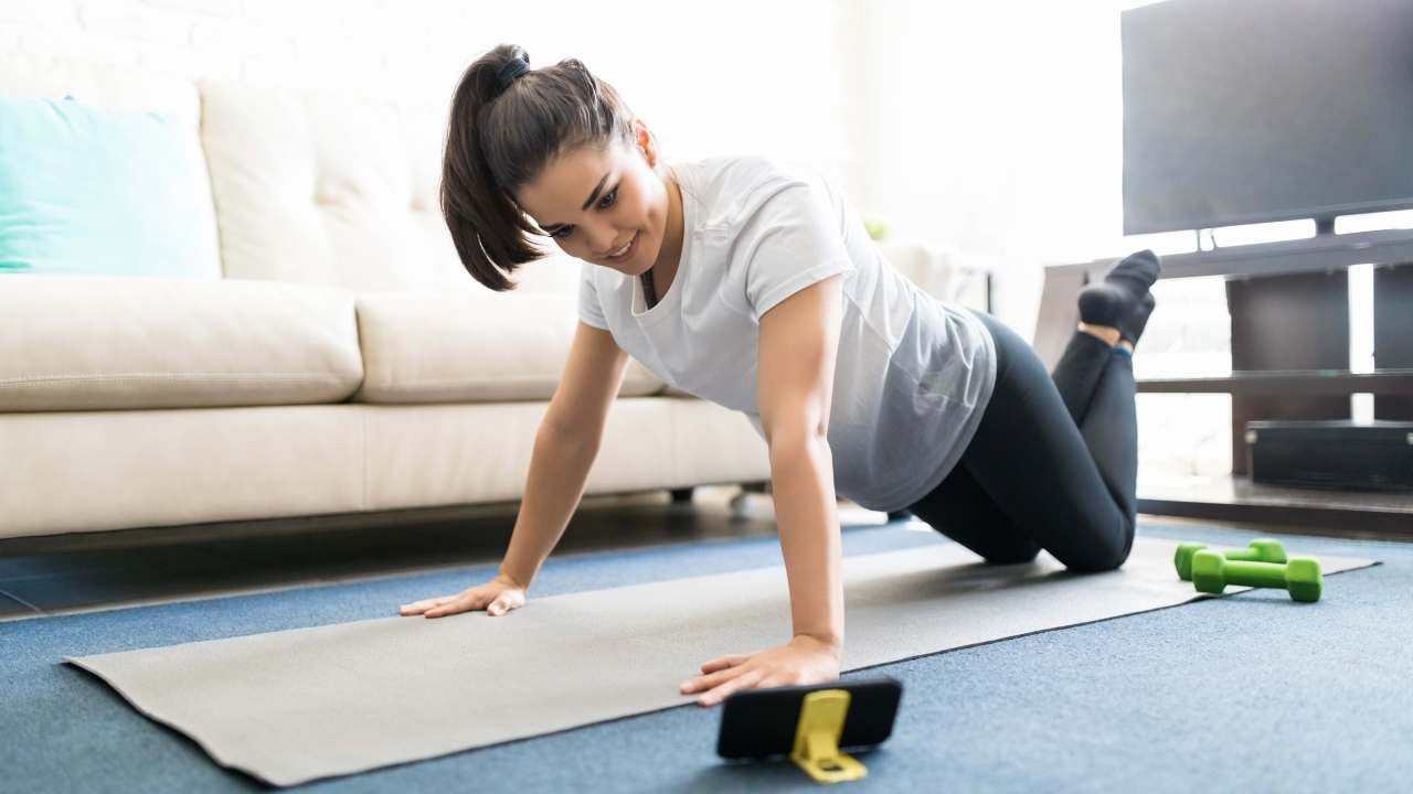 https://i2.wp.com/www.livehealthymag.com/wp-content/uploads/2020/03/work-out-at-home.jpg?resize=1280%2C720&ssl=1