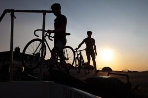 cyclists-422139_640