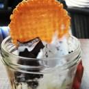 Zerowaste feiern mit Eis aus dem Einmachglas