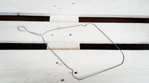 Upcycling-Kescher Drahtkleiderbügel biegen