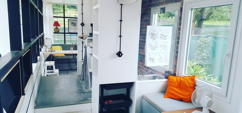 Nachhaltig wohnen. Im Tiny House oder im Einfamilienhaus mit Garten? Wie viel Platz braucht man um glücklich zu sein?