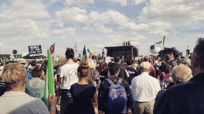 Gemeinsam laut fürs Klima - auf Demonstration, mit Nachbarn, Freunden und Familie