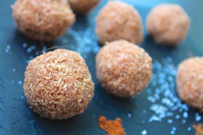 Sugar-free raw vegan cinnamon coconut balls by Anya Andreeva