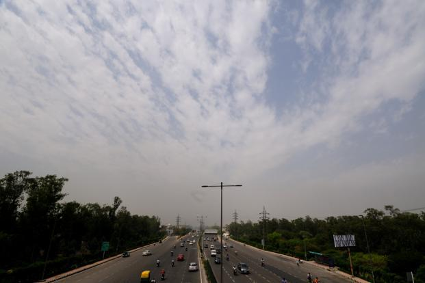 In Delhi, there are chances of thunder-squalls as well at one or two place during the next 24 hours. Photo: Pradeep Gaur/Mint<br /><br /><br /><br />