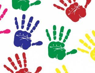 mani colorate coloriamo la speranza