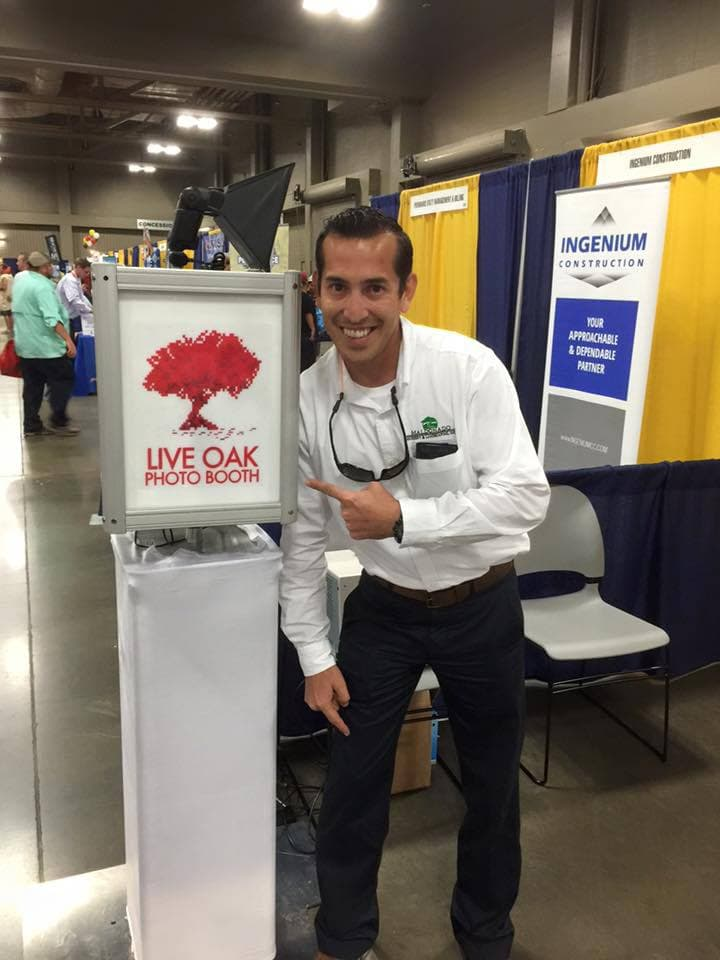 Live Oak Austin Photo Booth Rental - Open Kiosk Photo Booth