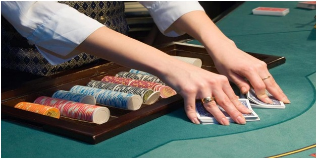 In which of the native languages can you play live games at live casinos?
