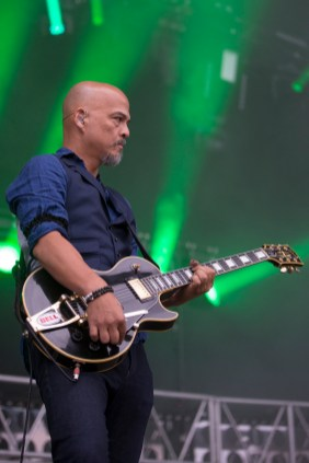 the-pixies-paleo-festival-nyon-02