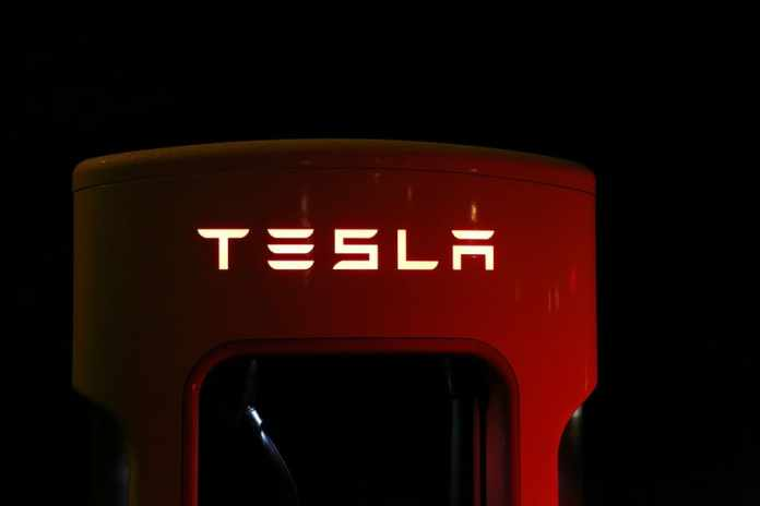 """Morgan Stanley has downgraded an American electric vehicle and clean energy company Tesla to underweight from equal-weight amid China risks, Morgan Stanley's $650 price target, trimmed from $680, suggests about 33% downside. Morgan Stanley analyst Adam Jonas downgraded Tesla (NASDAQ: TSLA) from Equalweight to Underweight with a price target of $650.00 (from $680.00). Goldman Sachs analysts downgraded Tesla Inc. after the stock overshot their price target and bumped General Motors Co. up to a buy on a brighter outlook for global auto sales. While Goldman analysts led by Mark Delaney remain positive on Tesla for the long term, recent price cuts and production challenges with the new Model Y crossover cloud the electric-car maker's intermediate outlook. Morgan Stanley analyst comments """"We're Underweight due to our concerns around China, competition, capital needs and near term demand. The RR skew for TSLA is consistent with an Underweight rating."""" """"Among the many risks facing Tesla at this time, we would rank risks related to U.S.-China relations at the very top,"""" Jonas wrote in a note to clients. """"Many investors we speak with describe Tesla as the 'Amazon of Autos.' But we're asking: What if Amazon is the Amazon of Autos?,"""" Jonas wrote. The Morgan Stanley analyst said that among the risks to his latest call on Tesla, he may be underestimating the company's longer-term China growth prospects. Separately, revenue from the company's """"internet of cars"""" network could drive better-than-expected margins, he added. Tesla shares traded at price 972.84 USD -5.09% at 12 Jun, 7:05 am GMT-4"""