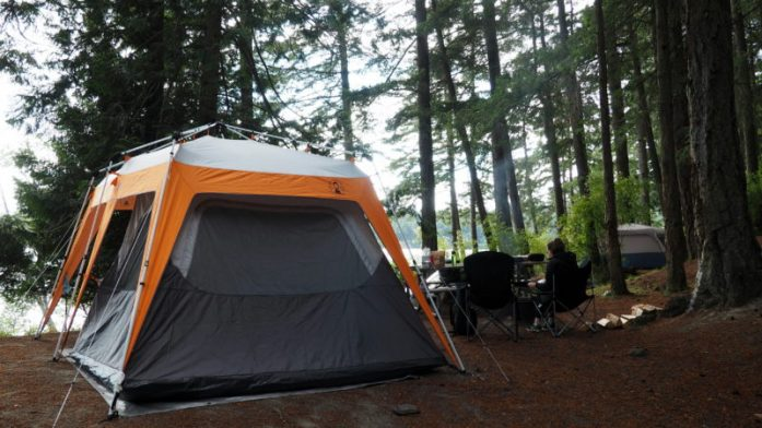 Expat Escapades June 2016 edition, featuring Vancouver, Orcas Island, North Cascades National Park and Whale Watching. Read more at www.liverecklessly.com