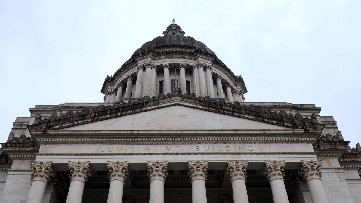 Close up of the Washington State Capitol Building - Exploring town on a rainy weekend in Olympia, Washington's funky capital city - LiveRecklessly.com