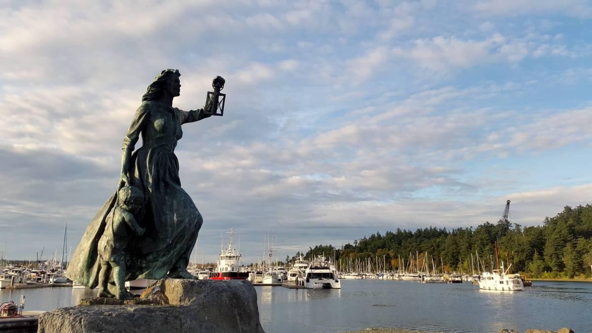 10 fantastic fall weekend getaways in Washington State: Anacortes - LiveRecklessly.com