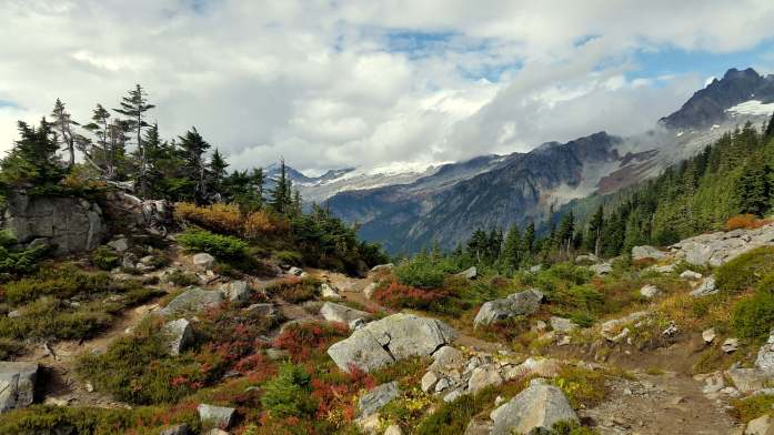 Hiking and camping in North Cascades National Park - LiveRecklessly.com