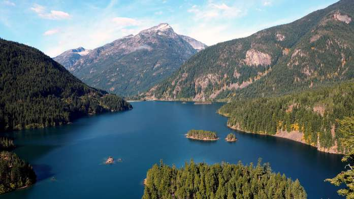 Diablo Lake. Hiking and camping in North Cascades National Park - LiveRecklessly.com