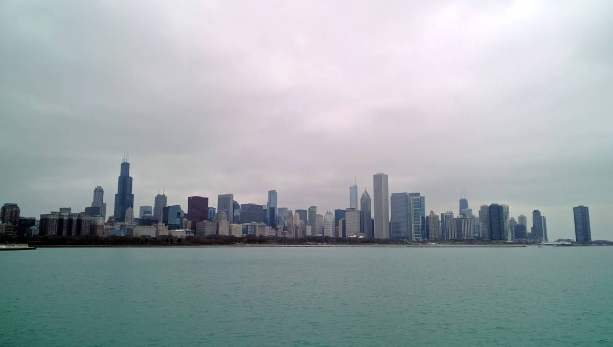 Expat Escapades November 2016 - LiveRecklessly.com - Chicago-skyline