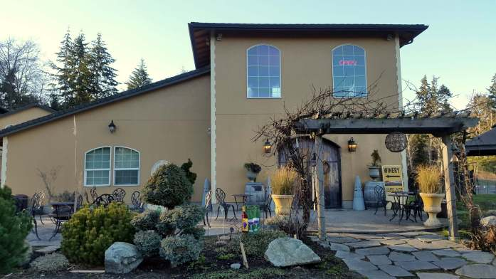 Holmes Harbor Cellars - Red wine and chocolate overload on the Whidbey Island Wine Trail - LiveRecklessly.com