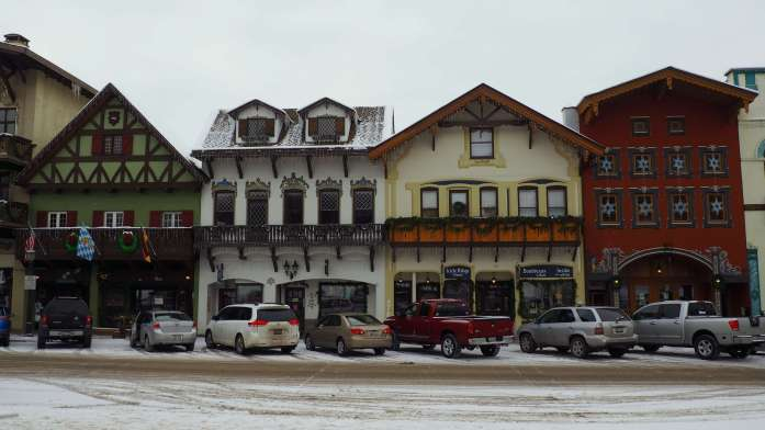 Leavenworth in winter - snowy streets - A winter escape to Leavenworth, Washington - Live Recklessly