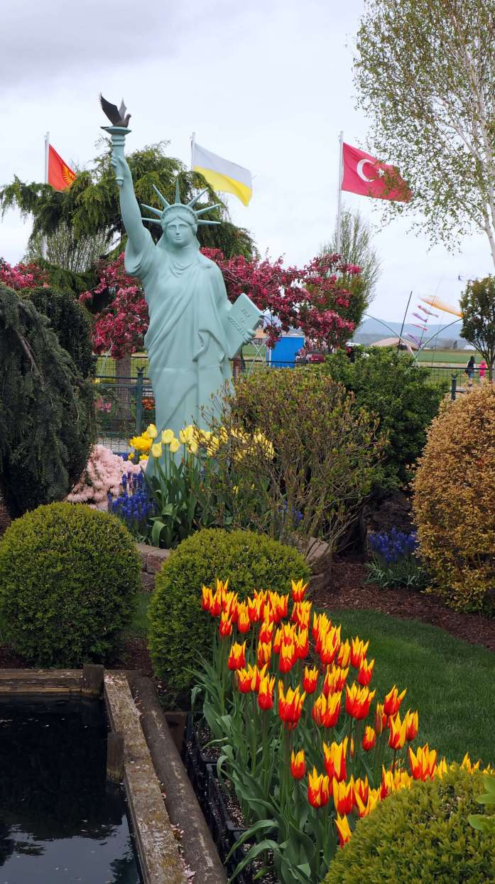 Statue of Liberty at Tulip Town Skagit Valley