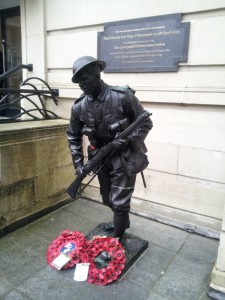 Unknown soldier 1_Staue and plaque