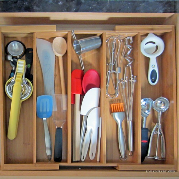 Getting organized takes doing 1 project at a time. This weekend: the kitchen utensil drawer!