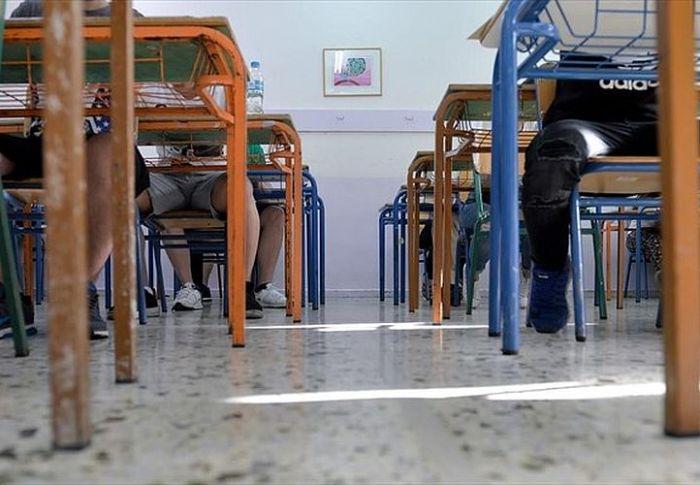 Υπουργείο Παιδείας: Τι θα γίνει με βαθμούς, απουσίες, φροντιστήρια