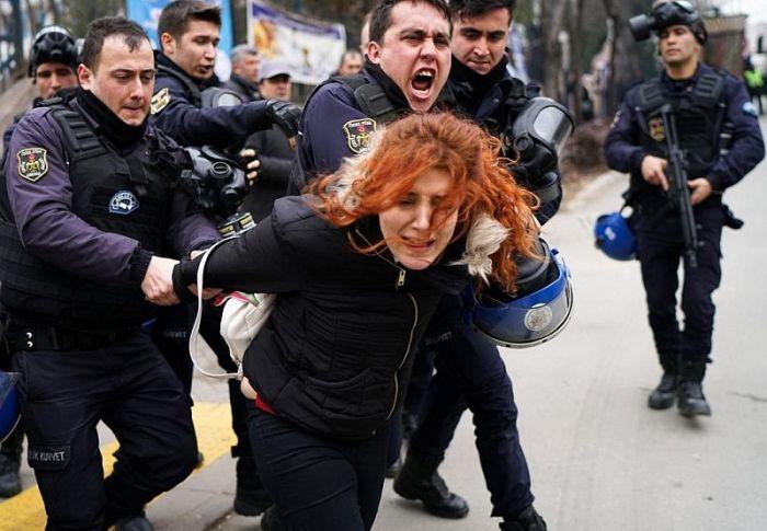 Γερμανικό ΥΠΕΞ: Σε κλοιό τα ανθρώπινα δικαιώματα στην Τουρκία