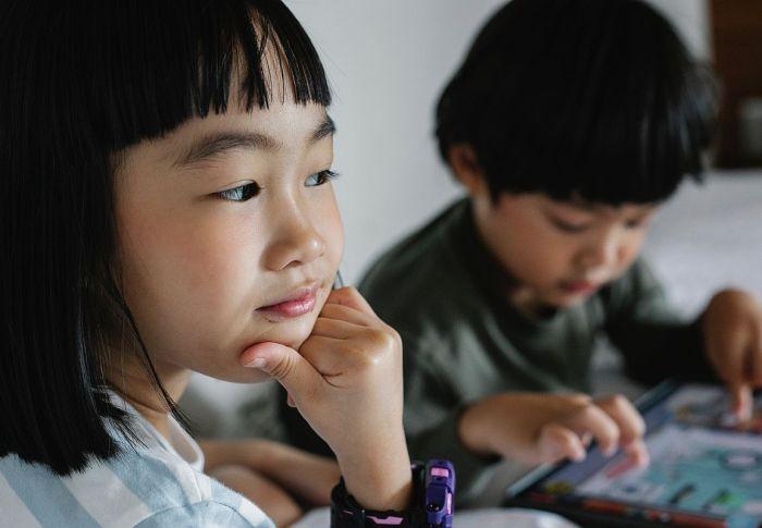 Κίνα: Μόλις τρεις ώρες την εβδομάδα θα παίζουν τα παιδιά στο διαδίκτυο