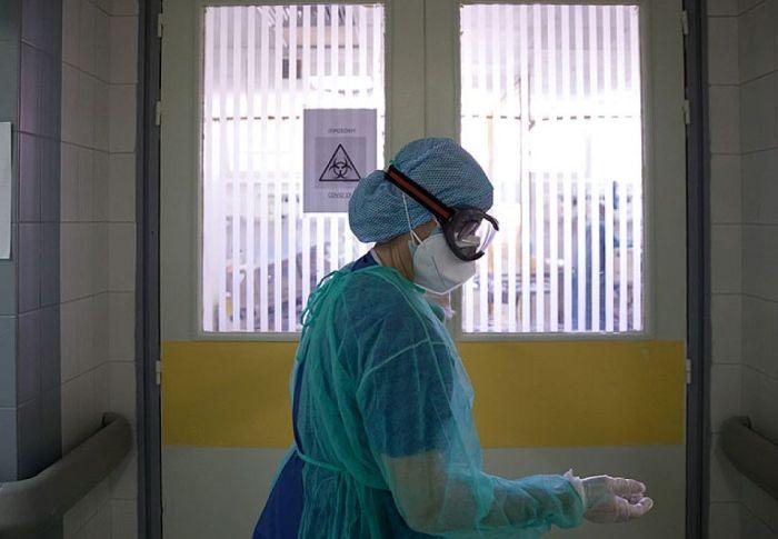 Η ιστορία της αρνήτριας των εμβολίων που δεν ήθελε να διασωληνωθεί και πέθανε