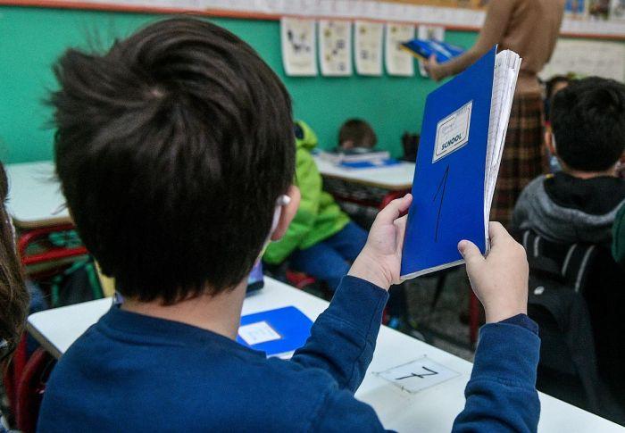Σχολεία: Πώς θα επιστρέψουν οι μαθητές στα θρανία