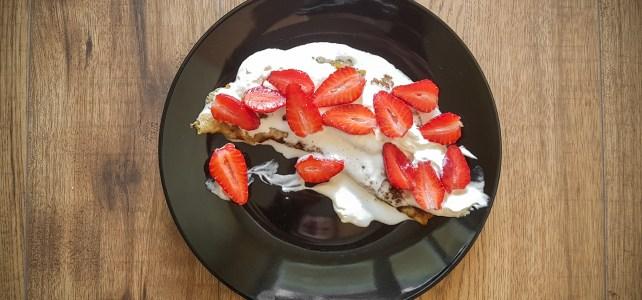 Палачинки с ягоди и сметана (без захар!)