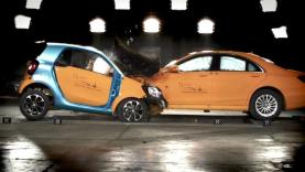 crash-test-smart-enantiwn-mercedes-sclass
