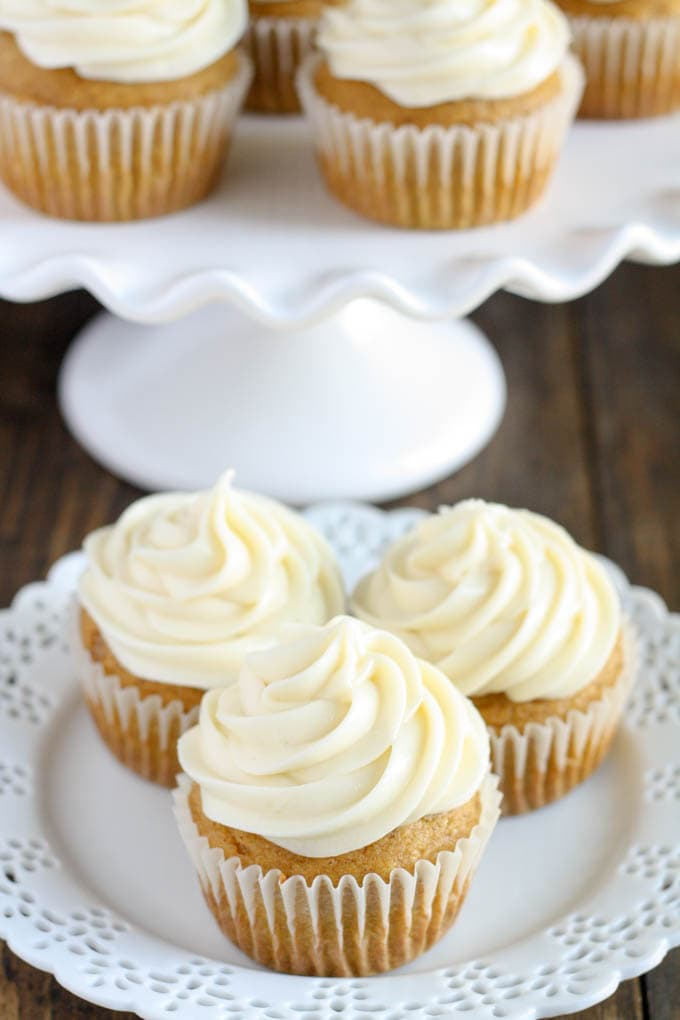 Moist and sweet pumpkin cupcakes with an easy cream cheese frosting ...