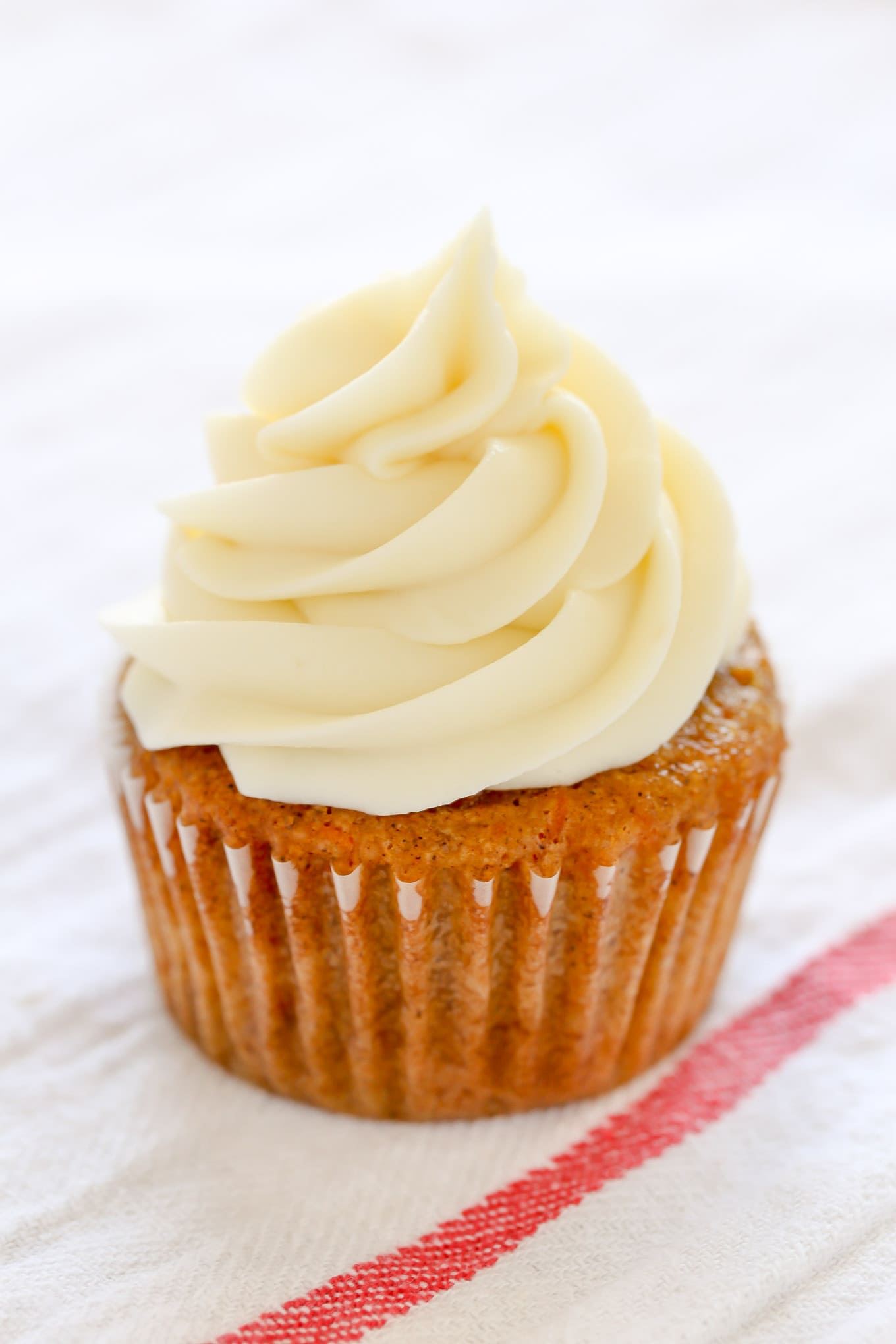 An Easy Recipe For Cream Cheese Frosting Made With Four Simple Ingredients And Ready In Just