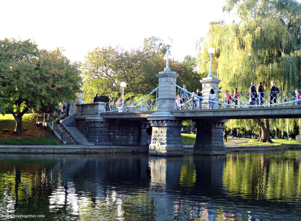 Boston Travel Guide: The Best Things to Do, See, and Eat in Boston for a Weekend | Boston Public Garden #publicgarden #boston #visitboston #bostonusa #travel #vacation #travelguide #newengland